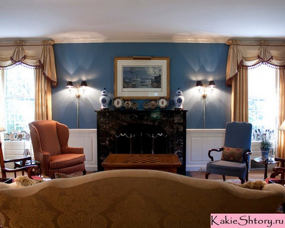 портьеры с ламбрекеном под синие стены