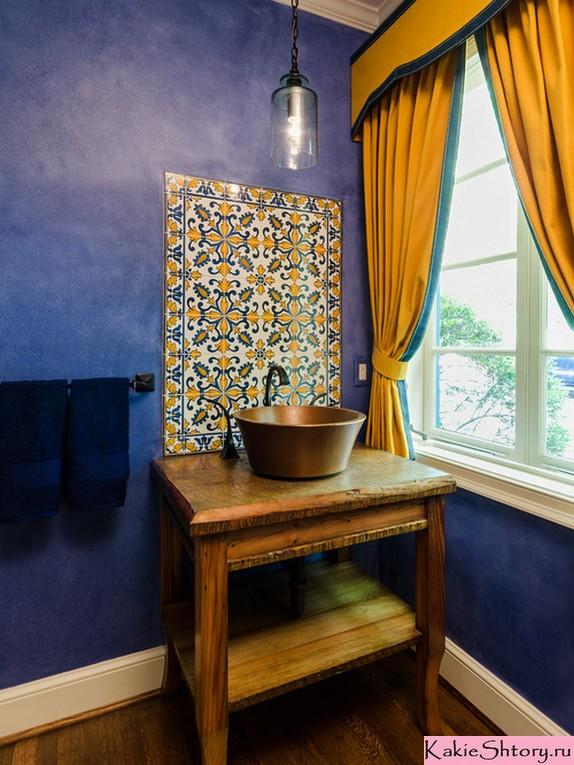 шторы к синим обоям в ванной