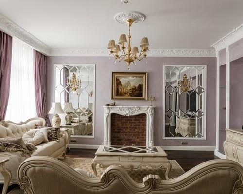 сиреневые портьеры в классической гостиной