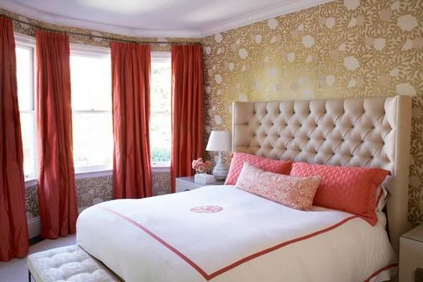 шторы терракотового цвета в спальне модерн