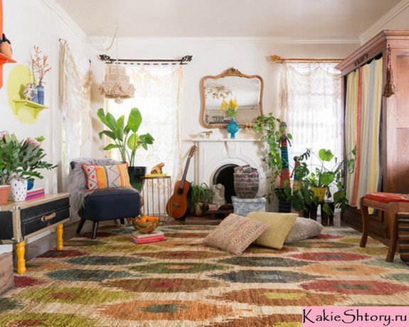 тюлевые занавески в гостиной в стиле кантри