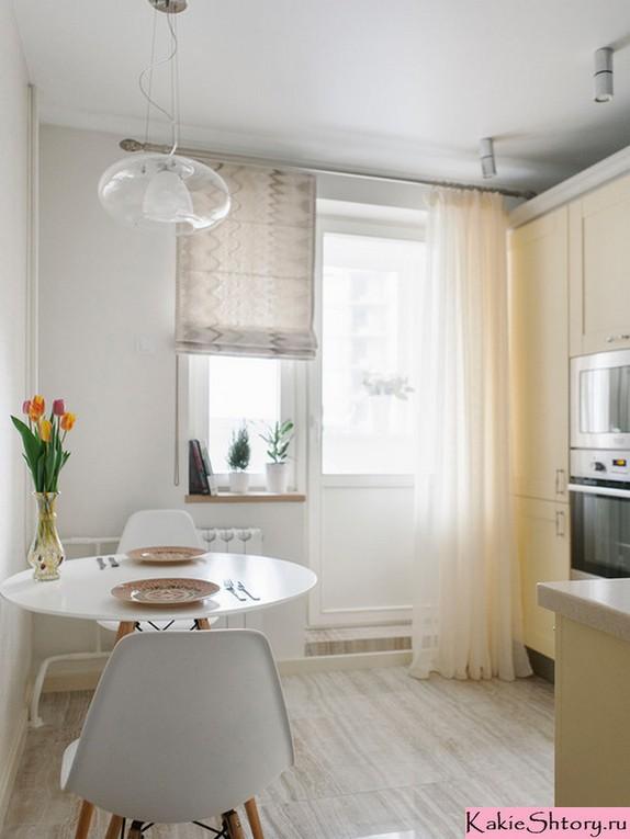 римские и тюлевые занавески в кухне