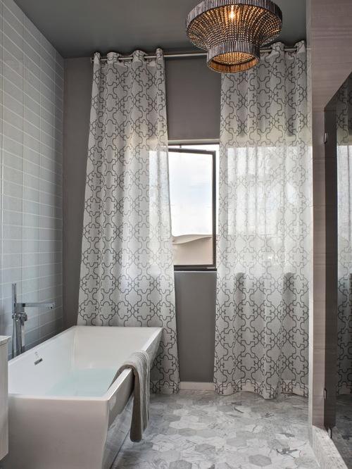серый тюль в ванной комнате
