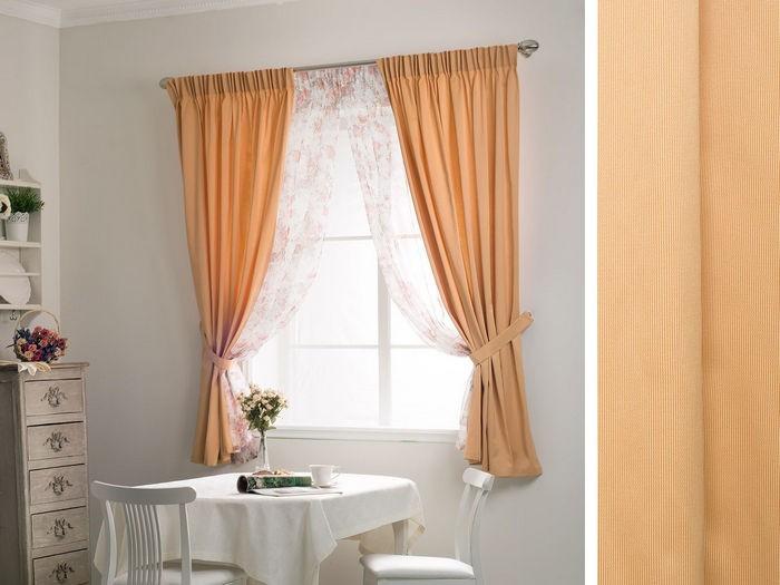 персиковые занавески в кухне