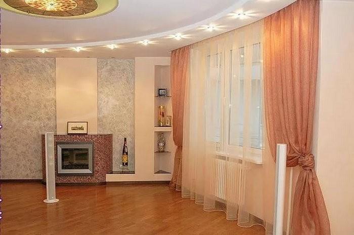 шторы персикового цвета в гостиной