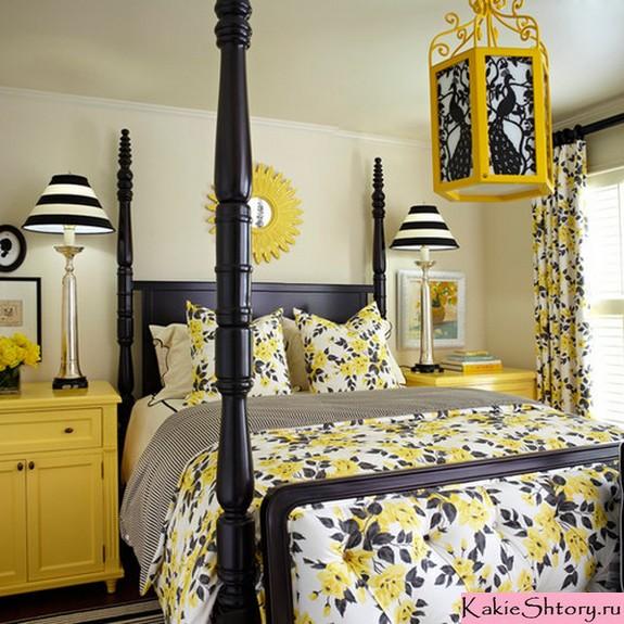 общая расцветка штор и текстиля в спальне