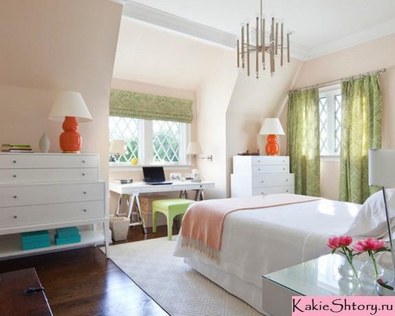 зеленые шторы под бежевый цвет стен