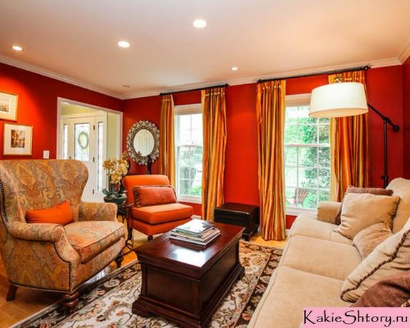 шторы к красным стенам в гостиной