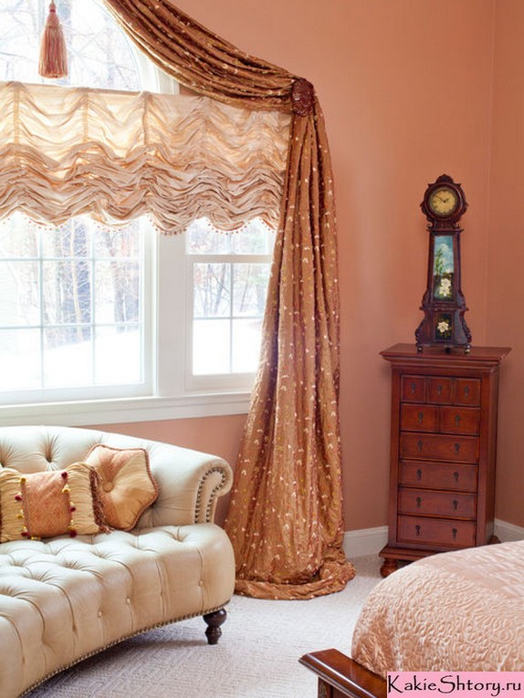 шторы к персиковым стенам
