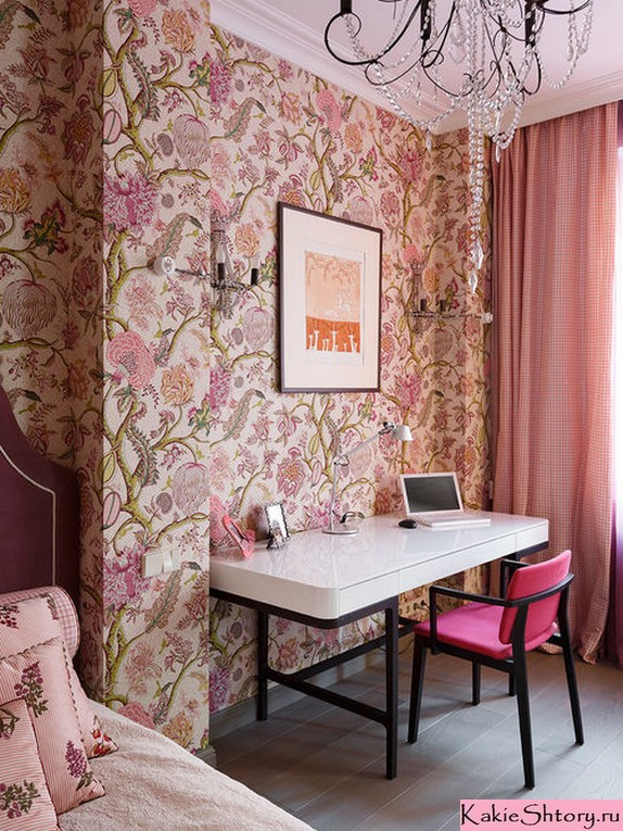 шторы к персиковым стенам в спальне
