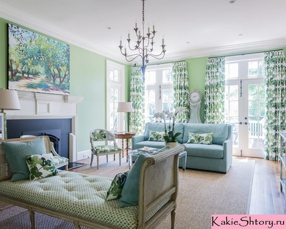 зеленые шторы с принтом под зеленые обои