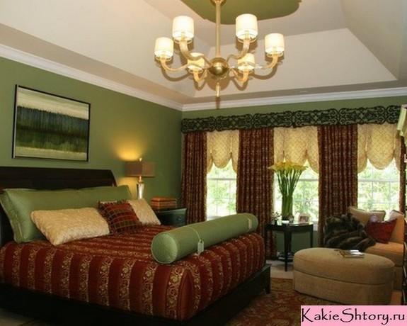 коричневые шторы под зеленые обои