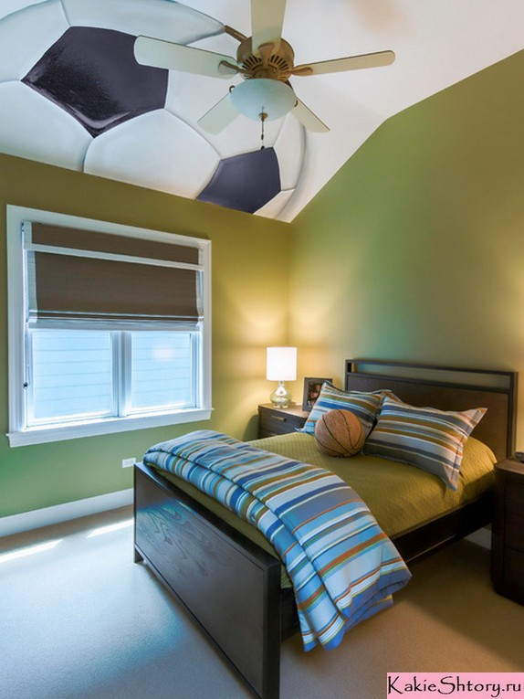 коричневая штора к зеленым обоям