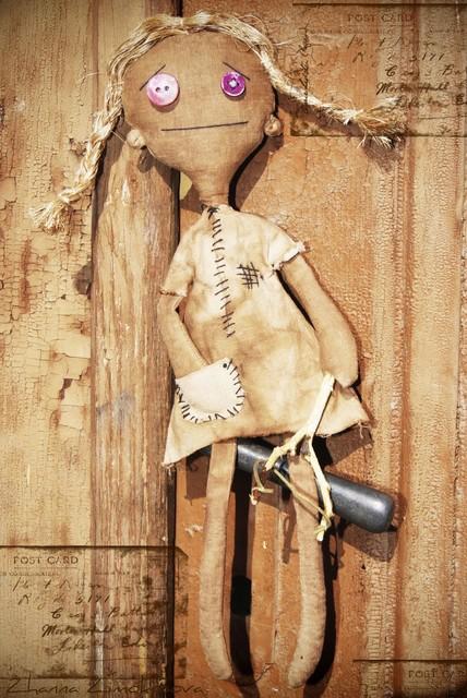 кукла из искуссвенно состаренной ткани
