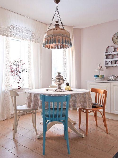 льняные шторы в вышивкой для кухни