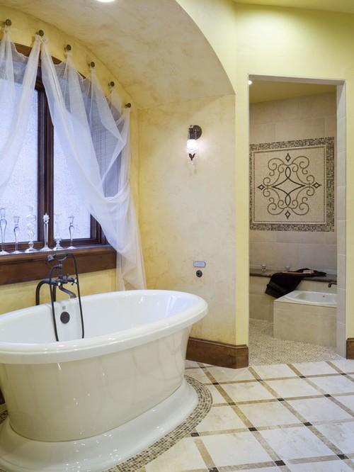 занавеска на крючках в ванной