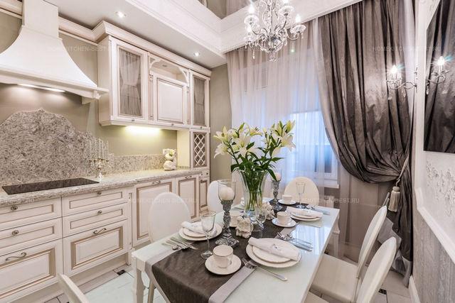элитные шторы в кухне в классическом стиле