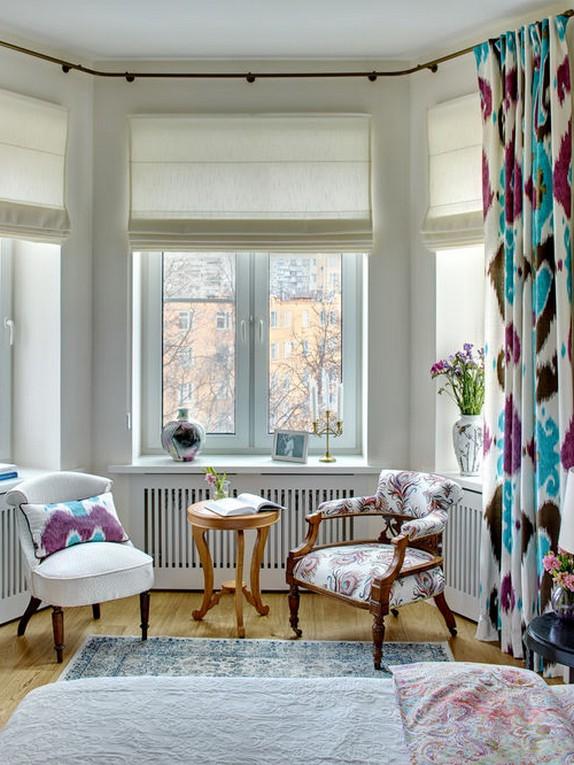 римская штора с разноцветными портьерами