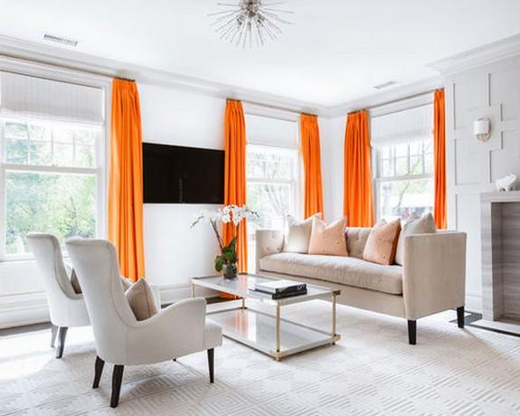 оранжевые портьеры с белой римской шторой
