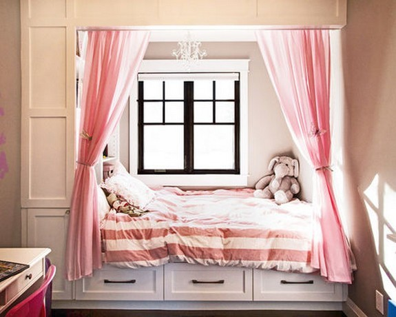 тюль розового цвета в комнате девочки