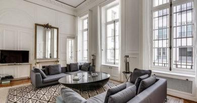 диван серого цвета