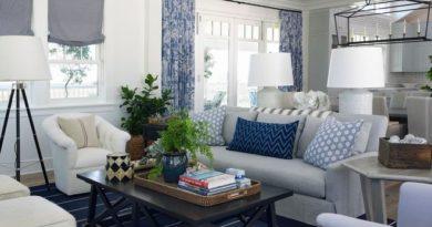 совмещение тканей в оформлении текстиля в гостиной