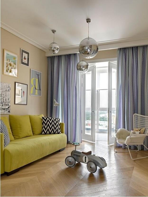 желтый диван в детской